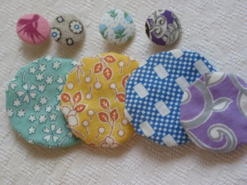 Vintage Fabric Yo-Yo and Button Pak