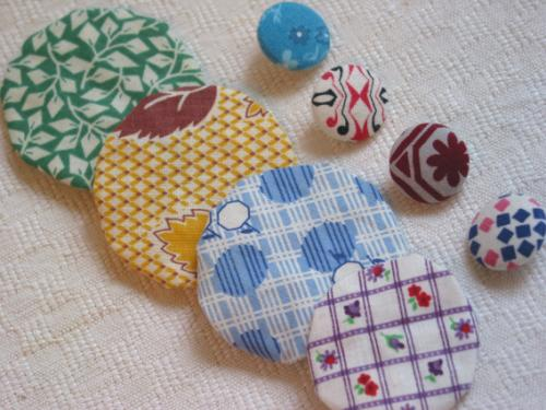 Vintage Fabric Yoyo and Button Pak